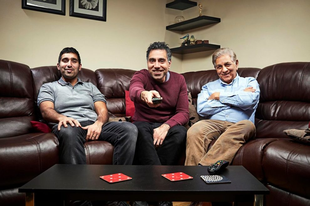 What time is Gogglebox on Channel 4 tonight and how many episodes are there?