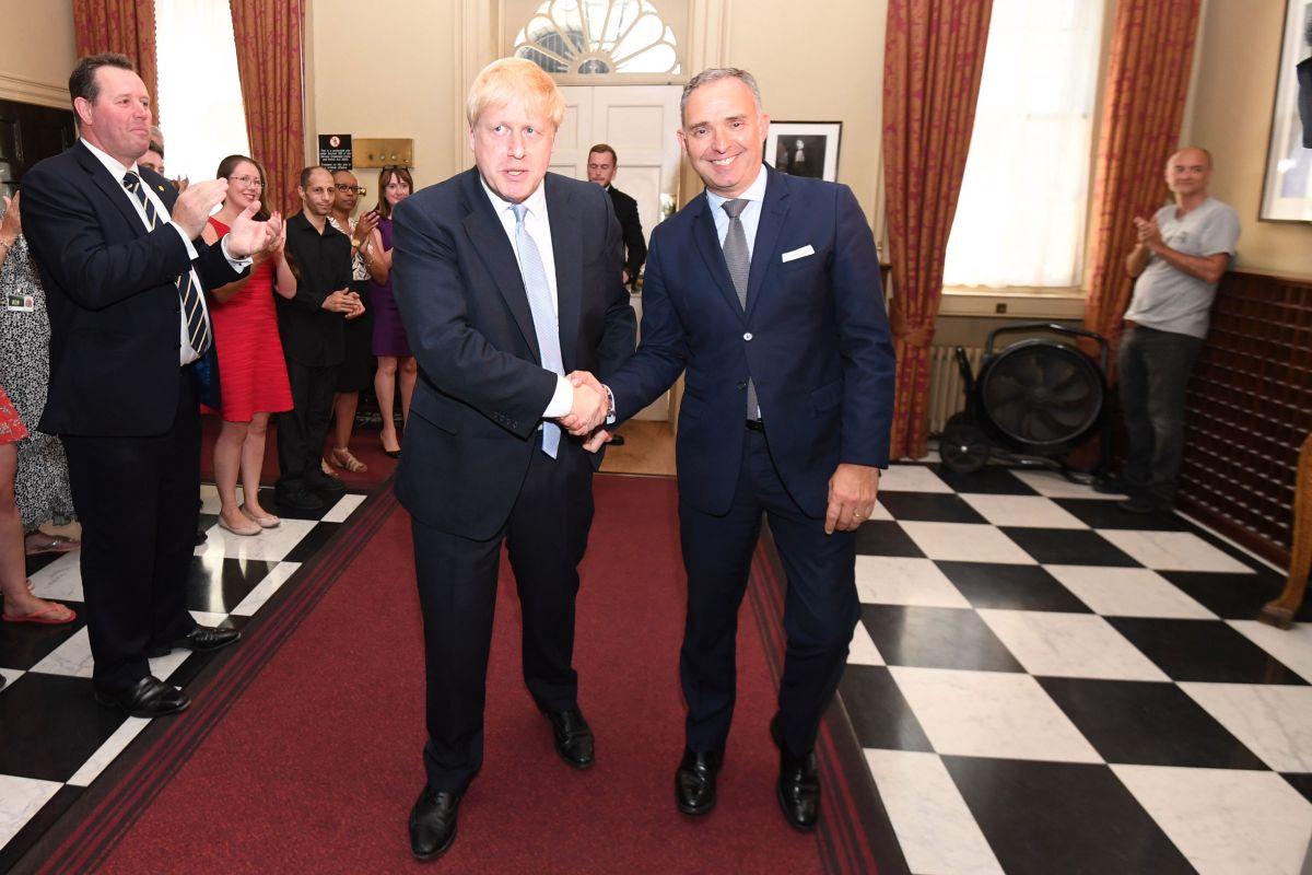 Downing Street confirms Sir Mark Sedwill had coronavirus at same time as Boris Johnson despite insisting he was fine
