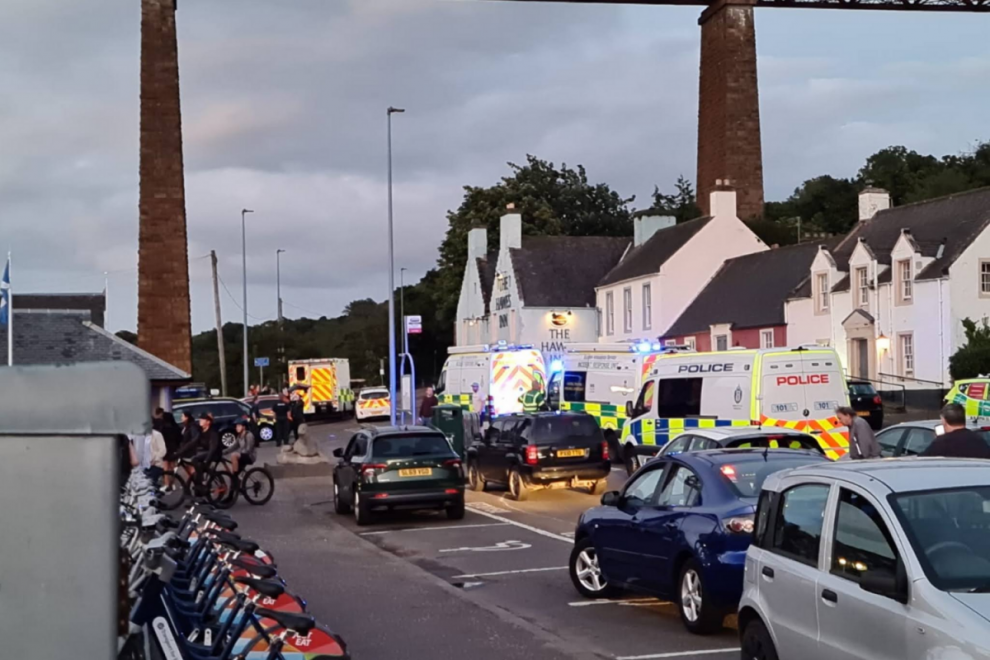 Major incident at Forth Road Bridge with police, ambulance and divers at South Queensferry water