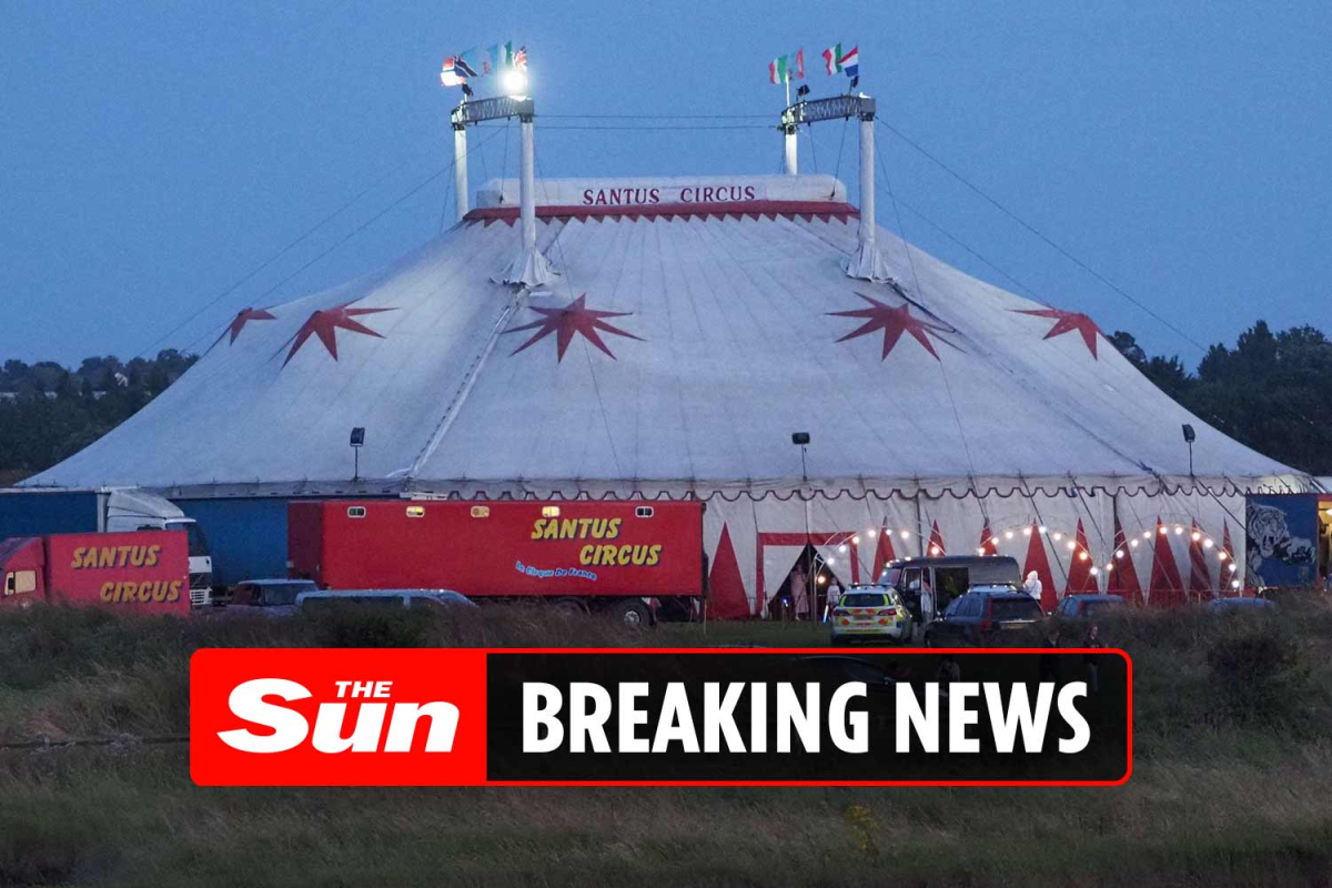 Female trapeze artist in 'horrifying 30ft fall' onto ground in front of shocked circus audience in Kent