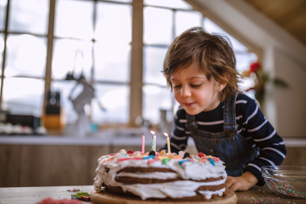 Mum reveals partner's TERRIBLE food shop for kids' birthday party & people think he just doesn't want to get asked again