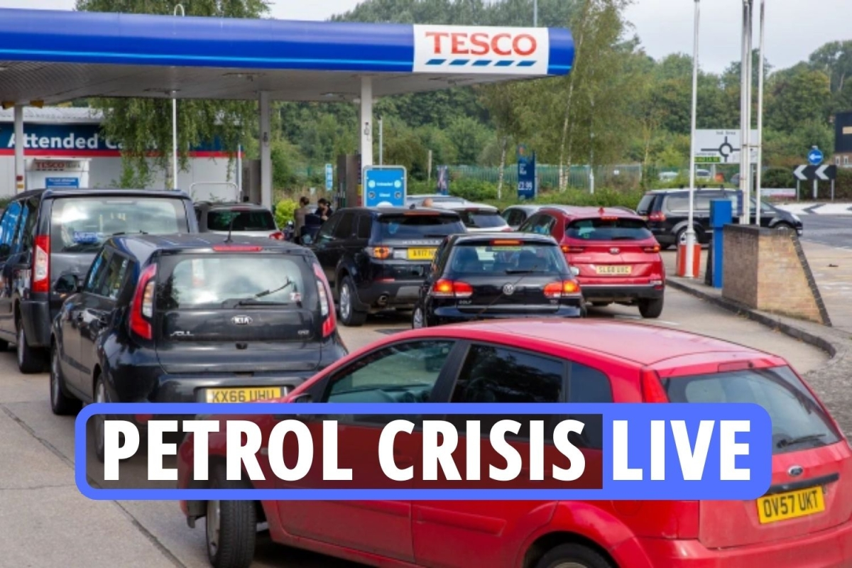 UK petrol shortage LIVE: No 10 could allow 10,000  workers in to fix HGV driver crisis