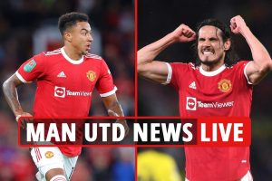 Man Utd news LIVE: Real Madrid 'want Cavani loan', Solskjaer's Lingard update, Ronaldo player of month nominee – latest
